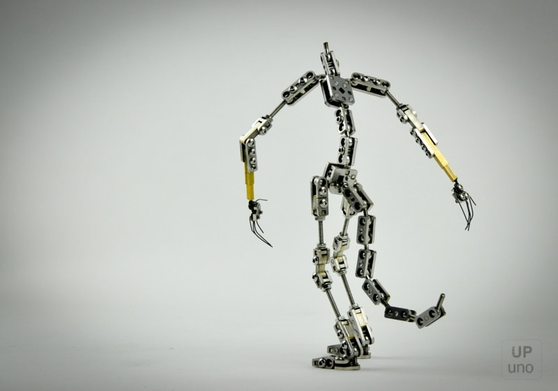 A bespoke stop motion armature of a humanoid with a tail. Built in our special magnetic stainless steel ball and socket design with exchangeable hands using a brass connector.